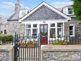 GILLIEBANK near cycle routes, sun room, front and rear gardens, in Portsoy, Ref 19784 - Aberdeenshire vacation rentals