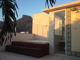 Luxury Penthouse best place 300m from Barra beach - Barra de Guaratiba vacation rentals