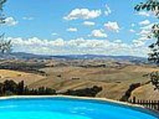 The Plunge Pool & View - Great Rental at La Bellavista in Tuscany - Lajatico - rentals