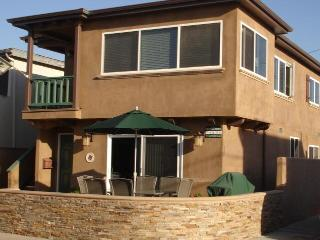 Sandcastle: Impeccably Maintained/1 House off Sand - Orange County vacation rentals