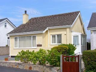 PENELOPE all ground floor, family-friendly near to beach in Benllech Ref 12974 - Benllech vacation rentals