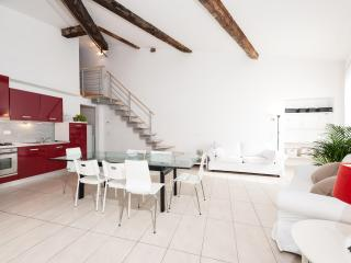 Nice Apartment at Melarancio Suite in Florence - Florence vacation rentals
