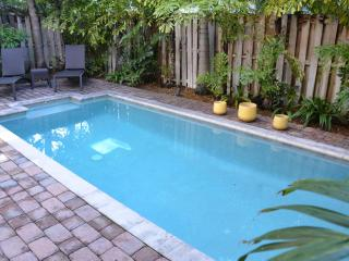 Villa Ravello 5 Star 4 Br/3.5 Bath Htd. Pool Home! Steps 2 Bch! - Pompano Beach vacation rentals