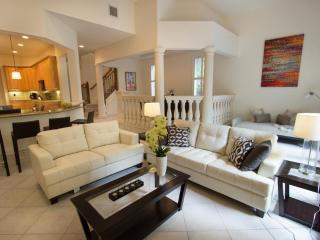 Villa Ravello 5 Star 4 Br/3.5 Bath Htd. Pool Home! Steps 2 Bch! - Lauderdale by the Sea vacation rentals