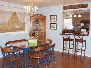 Comfy Townhome nearby Dutch Wonderland & Outlets - Lancaster vacation rentals