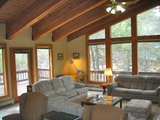 SquawLodge™- Beds for up to 19 in Squaw Valley - North Tahoe vacation rentals