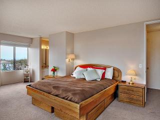 3br/2 Ocfrt complex Sept special $225 nightly - Oceanside vacation rentals
