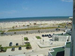 The Emerald 707 has it all... style, class, and views. - Galveston vacation rentals