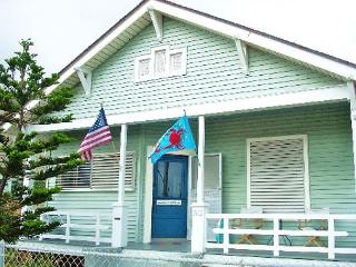 Great, Centrally located home only one block from the Beach! - Bacliff vacation rentals