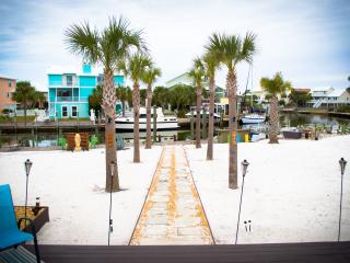 Upscale Home 90Ft Dock on Bay! 3Br/2Ba - Pensacola vacation rentals