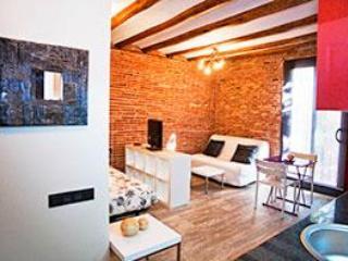 Barcelona, Sants-Montjuic 4 - Barcelona vacation rentals