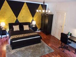 Luxury Apartment Near Kudamm/KaDeWe in Berlin - Berlin vacation rentals