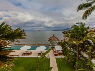 Bali Villa Lucia Absolute beachfront - Tenganan vacation rentals