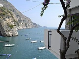 Casa Mentuccia B - Image 1 - Praiano - rentals