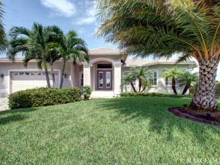 BREAKWATER - Like Something Straight Out of Coastal Living Magazine! - Marco Island vacation rentals