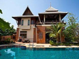 Beverly Thai House Pool Villa Rhodium PATTAYA - Jomtien Beach vacation rentals