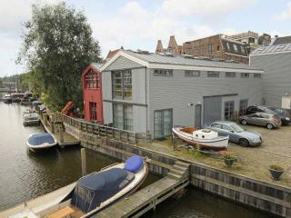 The Boat House Apartment in Centre of Amsterdam - Amsterdam vacation rentals