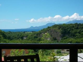 Gite VUE MER et MONTAGNE au Gosier - Petit-Bourg vacation rentals