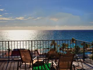 Near Port Lucaya Oceanfront 2 Bed/ Beautiful Beach - Lucaya vacation rentals
