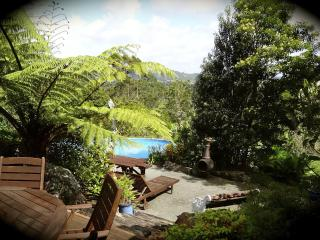 Secluded Rural Retreat + Beaches + Critters + Fun! - Te Arai vacation rentals