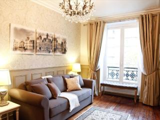 MAY DEAL Luxury & Charm, Champs Elysees Free WiFi - Paris vacation rentals