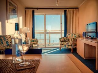 Baybeachfront 2 Bedroom Endeavour - Glenelg vacation rentals