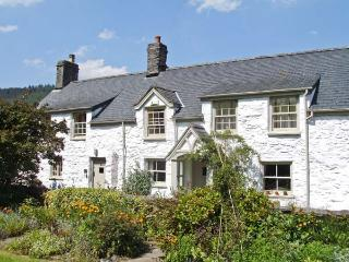 THE FARMHOUSE, Grade II listed pet-friendly cottage with woodburner, garden, close to Betws-y-Coed, Ref 18628 - Snowdonia National Park Area vacation rentals