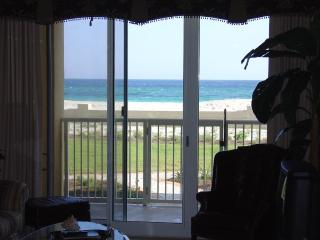 4br,3ba, Beachfront  April dates still available - Destin vacation rentals