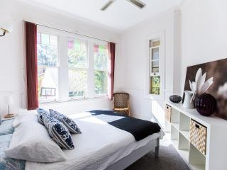 The Jacaranda Villa, Sleeps 14, Pool & Spa - Coffs Harbour vacation rentals