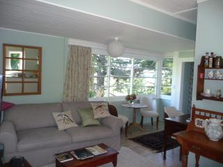 2 bedroom Top Cottage 5 mins from Havelock  Nth - Havelock North vacation rentals