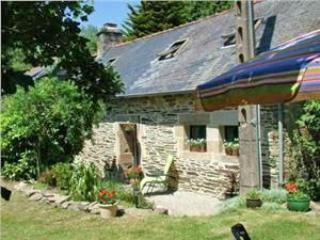 Idyllic Riverside Cottage in Brittany, France - Plonévez-Porzay vacation rentals