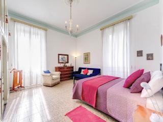 Charming apartment just a few steps to Coliseum !! - Rome vacation rentals