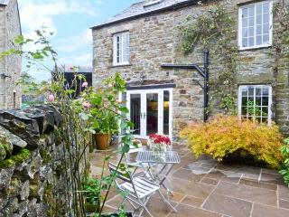 THE GRANARY romantic retreat, woodburning stove, stunning views in Reagill Ref 20541 - Reagill vacation rentals