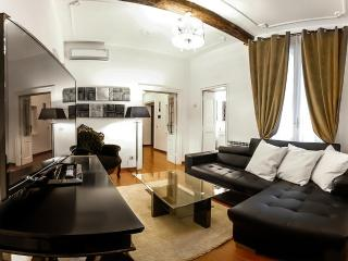 Luxury 3Bdrs Apartment Hearth of Rome (Banchi) - Rome vacation rentals