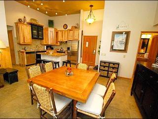 Incredible Mountain Views - Close to Restaurants and Shopping (7033) - Keystone vacation rentals