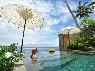 Luxury Beach House : Villa Nilaya, Candi Dasa - Kubu vacation rentals