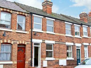 NUMBER 15, town centre cottage, cosy accommodation in Shrewsbury Ref 18078 - All Stretton vacation rentals
