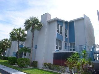 Madeira Beach Yacht Club 179F - Very Nice Townhouse in gated community! - Madeira Beach vacation rentals