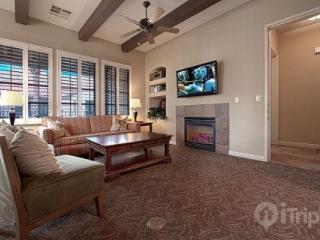 Legacy Villas -- Rare 3 Bedroom End Villa with Southern Mountain Views - La Quinta vacation rentals