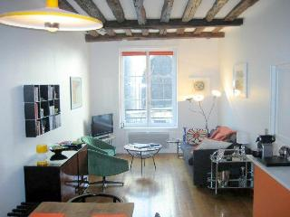 Exclusive Saint Michel apartment 65m2 4 sleeps - Paris vacation rentals