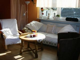 Vacation Apartment in Nideggen - 646 sqft, bright, friendly, warm (# 3290) - Aachen vacation rentals