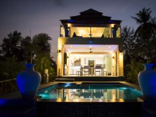New Luxurious Beach Pool Villa with Small Island. - Trat Province vacation rentals