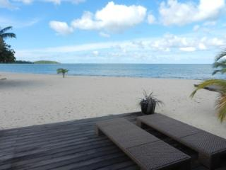 SEASIDE Apartment on the Beach - Caribbean View - Nettle Bay vacation rentals
