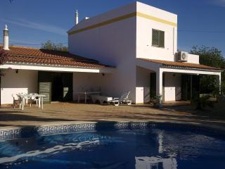 Elegant 5 bedroom villa in the Algarve sleeps 12 - Tavira vacation rentals