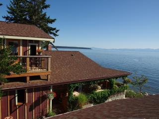 Blitz Beach House Retreat, Powell River near Lund - Sunshine Coast vacation rentals