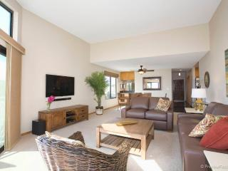 Waterfront, Luxurious Condo! - Mission Beach vacation rentals