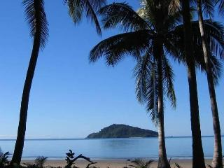 Baku Beachouse retreat for couples in Daintree QLD - Daintree vacation rentals