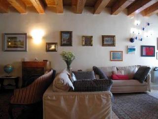 Padova historic centre Luxury Cà BIMBA Apartment - Padua vacation rentals