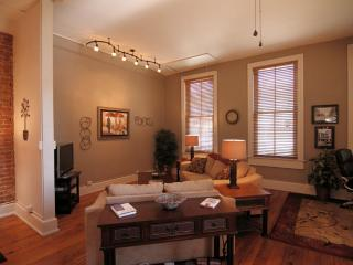 Downtown 39 Biltmore Loft is simple elegance...... - Asheville vacation rentals