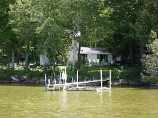 Lake Leelanau Lakefront Home Slps 15 Traverse City - Traverse City vacation rentals